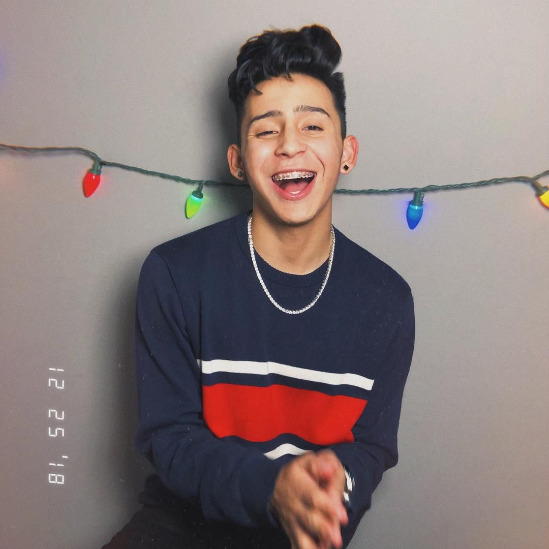 Alex Guzman On Tiktok Yooo 2dq Follow Cute Boy Wallpaper Cute Lightskinned Boys Cute Teenage Boys