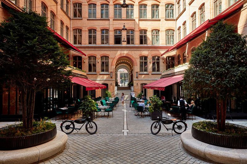 Tortue Hotel In Former Ministry Building In Hamburg Germany Photos Ideas Design Cozy Backyard Architecture Hotel