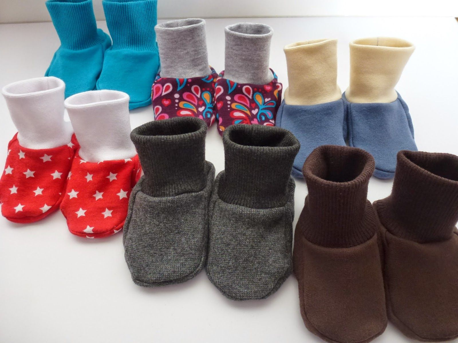 Babyschuhe z.T. aus altem Pulli / Babies\' shoes partly made from old ...