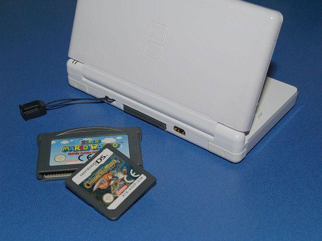 Mi Nintendo Ds Lite Y Un Par De Juegos Originales Super Mario