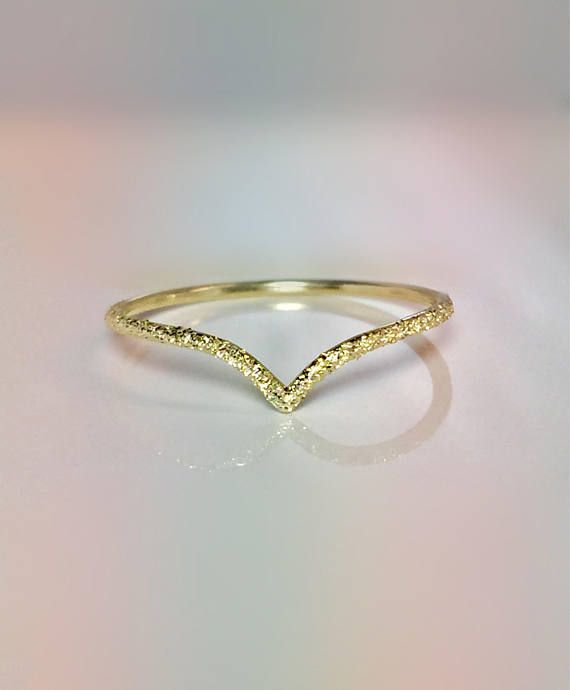 Sale 14k 10k Solid Gold Ladies Elegant V Chevron Ring Etsy In 2020 Delicate Gold Ring Gold Pinky Ring Chevron Ring