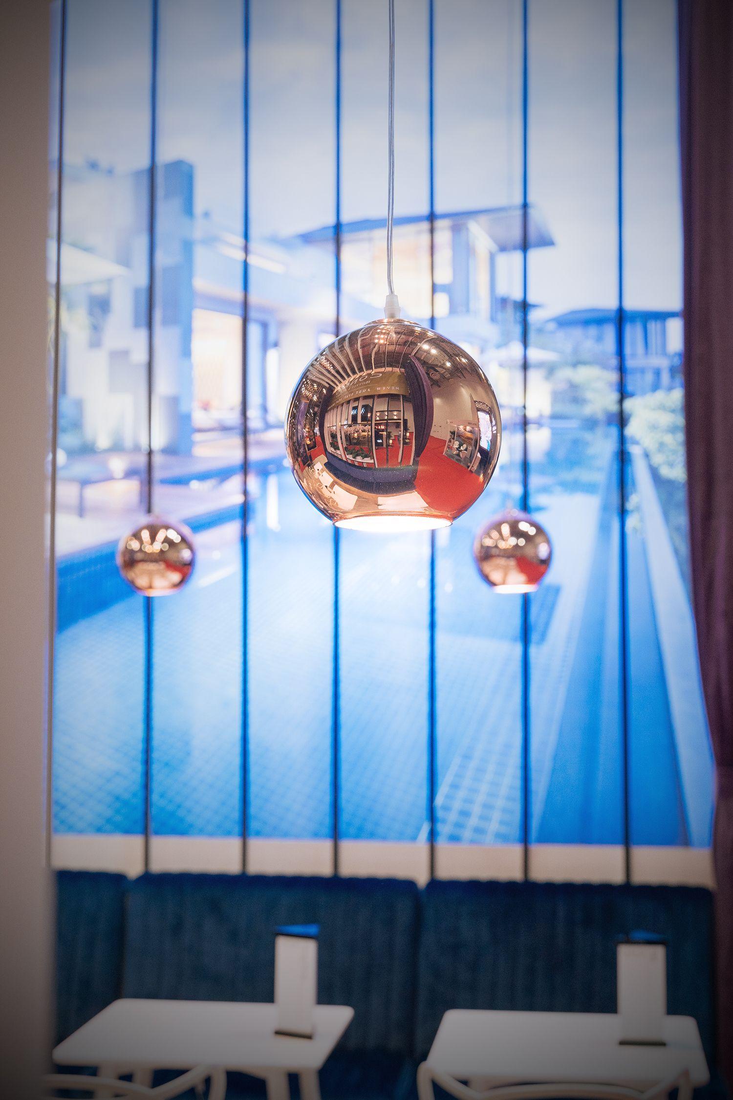 #dome #light #lighting #lightingdesign #interior #event #exhibition #expo #standlighting #eventlighting #copper #bulb #customstand