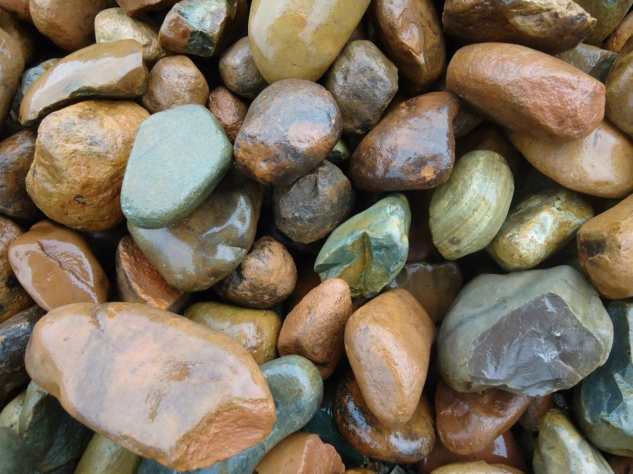 ChooseGarden pebblesfor your home & garden decor