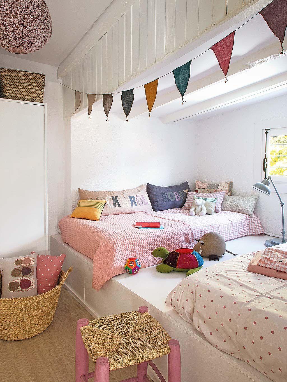 Una habitación para dos con las camas en alto   Pinterest   La cama ...