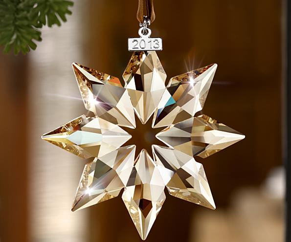 La firma Swarovski lanza nuevas figuritas de cristal que son perfectas decoraciones de Navidad, utilizando todos los motivos más entrañables de estas fiestas.