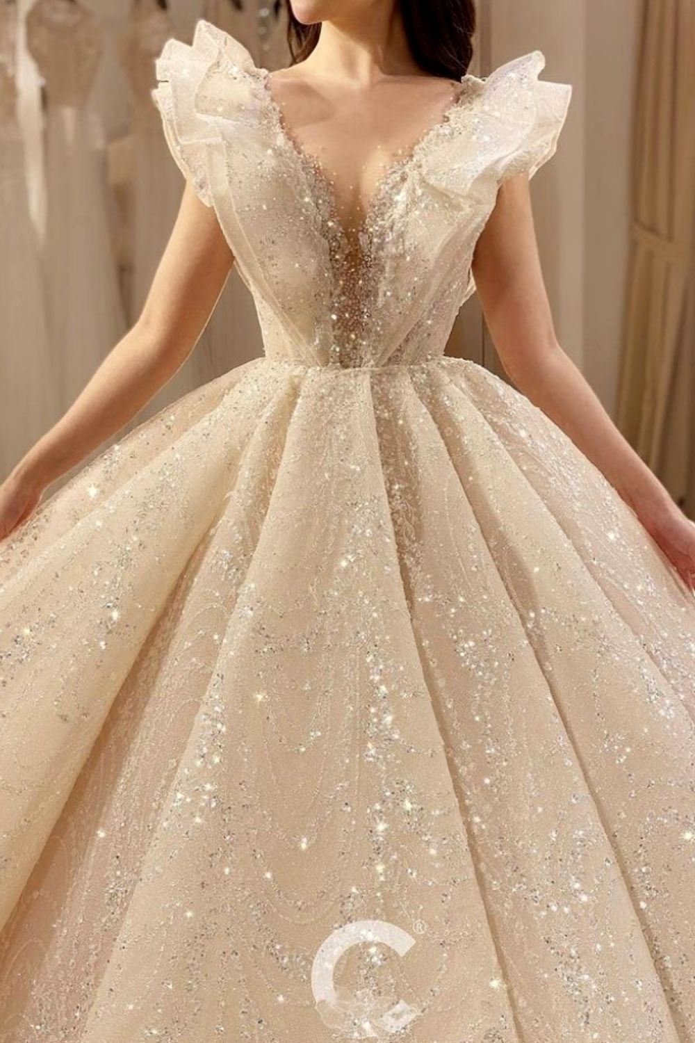 21 Romantic Wedding Dress Ideas Trends 2021 You Need To Know Your Classy L In 2021 Gorgeous Wedding Dress Princesses Wedding Dresses Princess Ballgown Dreamy Dress [ 1500 x 1000 Pixel ]