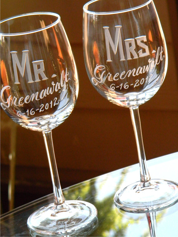 Wine Glass Set The Custom Couple and Mrs Mr