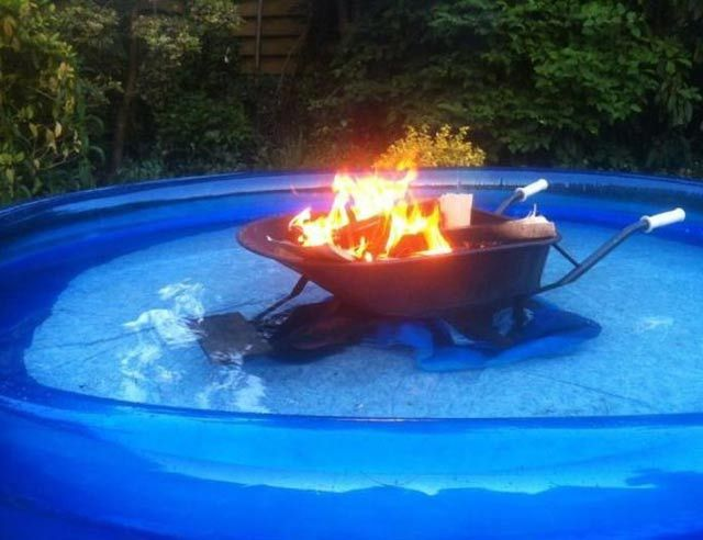 Random Weirdness 16 Funny Pics Memes With Images Diy Pool