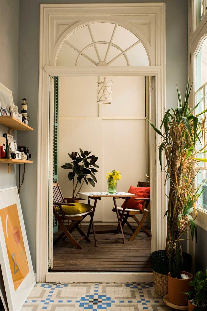 A Plant Filled Home in Barcelona Patio