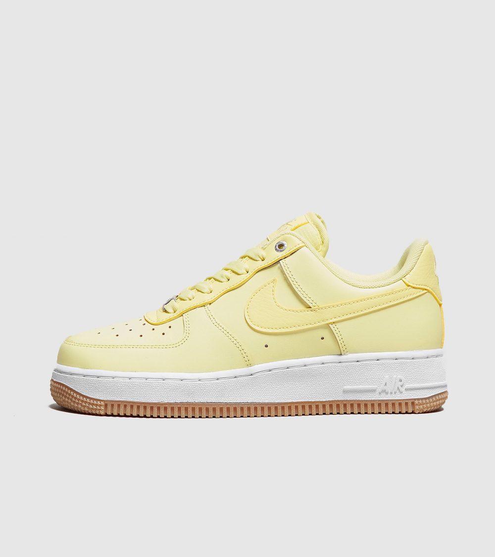 Nike Air Force 1 '07 SE Premium jaune femme Chaussures