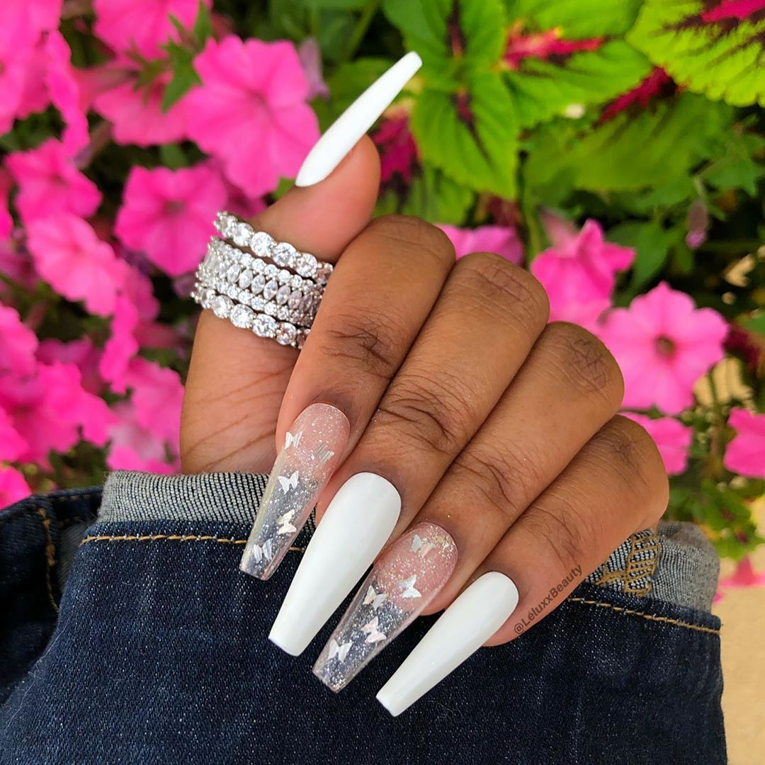 Leluxx Beauty On Instagram Classic White Set With Butterflies Will Be Taking Orders For Thes White Acrylic Nails Best Acrylic Nails Pretty Acrylic Nails