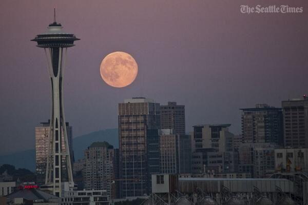 Supermoon Over Seattle Wa July 22 2013 Seattle Seattle Skyline Travel