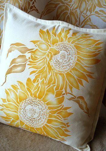 23 Best Sunflower Bedroom Ideas #sunflowerbedroomideas Sunflower Bedroom Ideas 26 #sunflowerbedroomideas