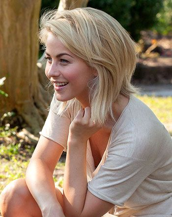 Pic Julianne Hough Debuts Short Blonde Do On Safe Haven