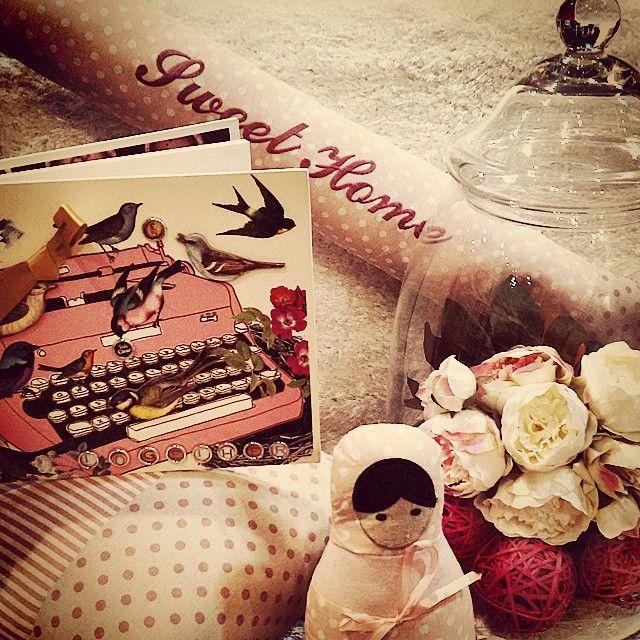 #MandarinaHome #Mandarina #primavera2015 #primavera #pájaro #libreta #menina #sujetapuerta #flor #jarrón #cortaviento #puff #rosa #lunares #decoración #regalo #sweet