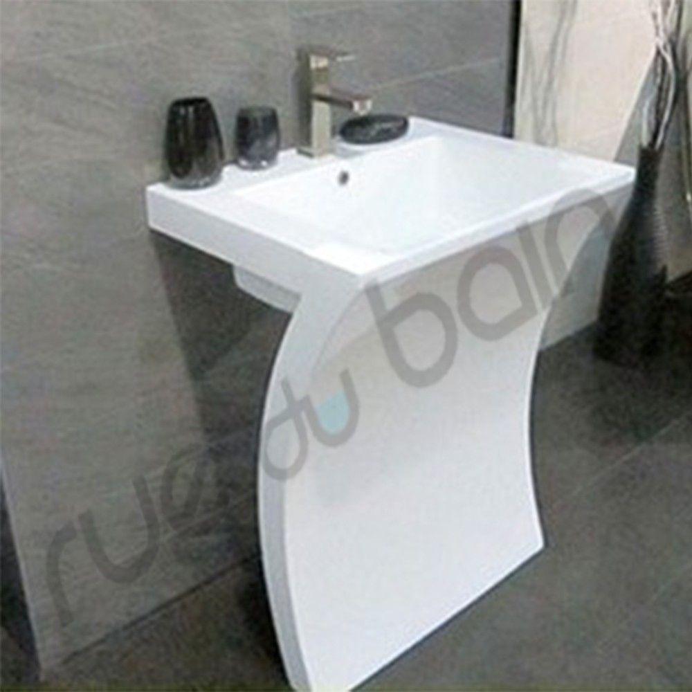 rue du bain profitez du lavabo totem design slide partir de 409 ttc style ultra tendance. Black Bedroom Furniture Sets. Home Design Ideas