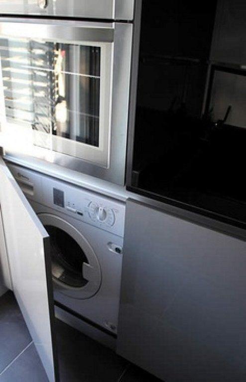 Columna cocina lavadora horno microondas en 2019 for Hornos para cocinas pequenas