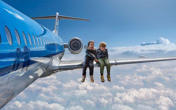 На крыле самолета. Автор: Adrian Sommeling.