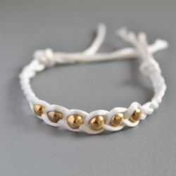 A lovely and easy bracelet to make for yourself or a friend. Pefect for any outfit.