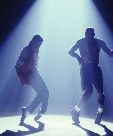 arrives c86e7 a7429 Michael Jackson teaching Michael Jordan how to dance