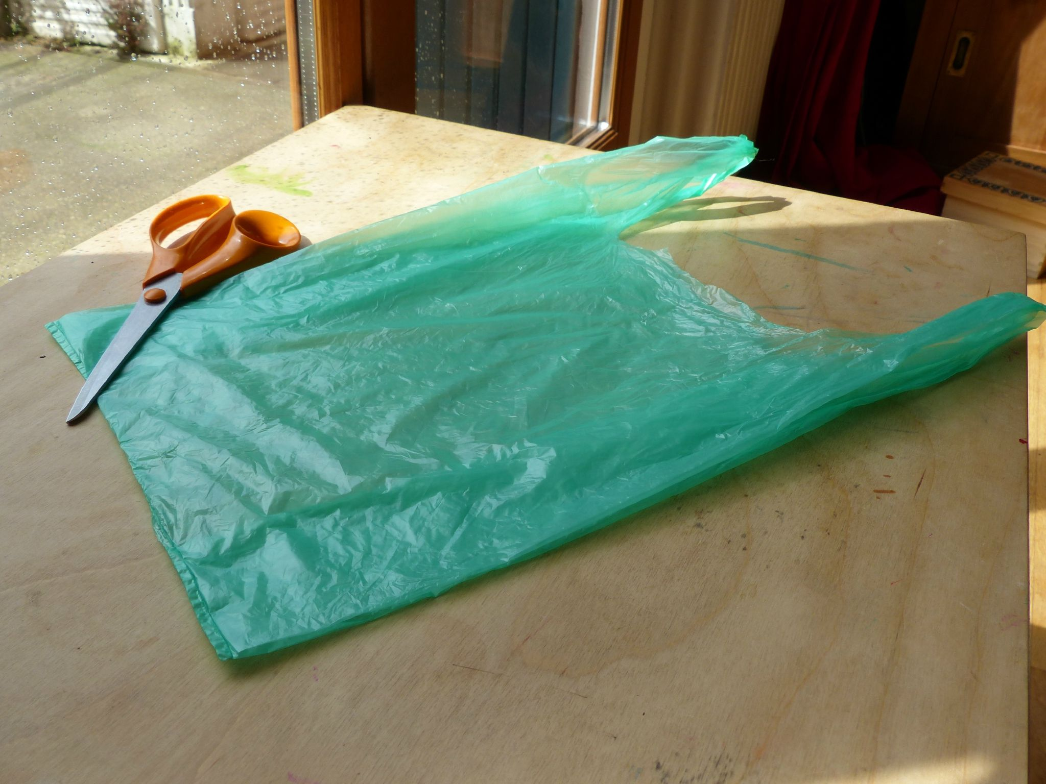 transformer un sac plastique en pelote tape 1 recyclage sac en plastic pinterest sac. Black Bedroom Furniture Sets. Home Design Ideas