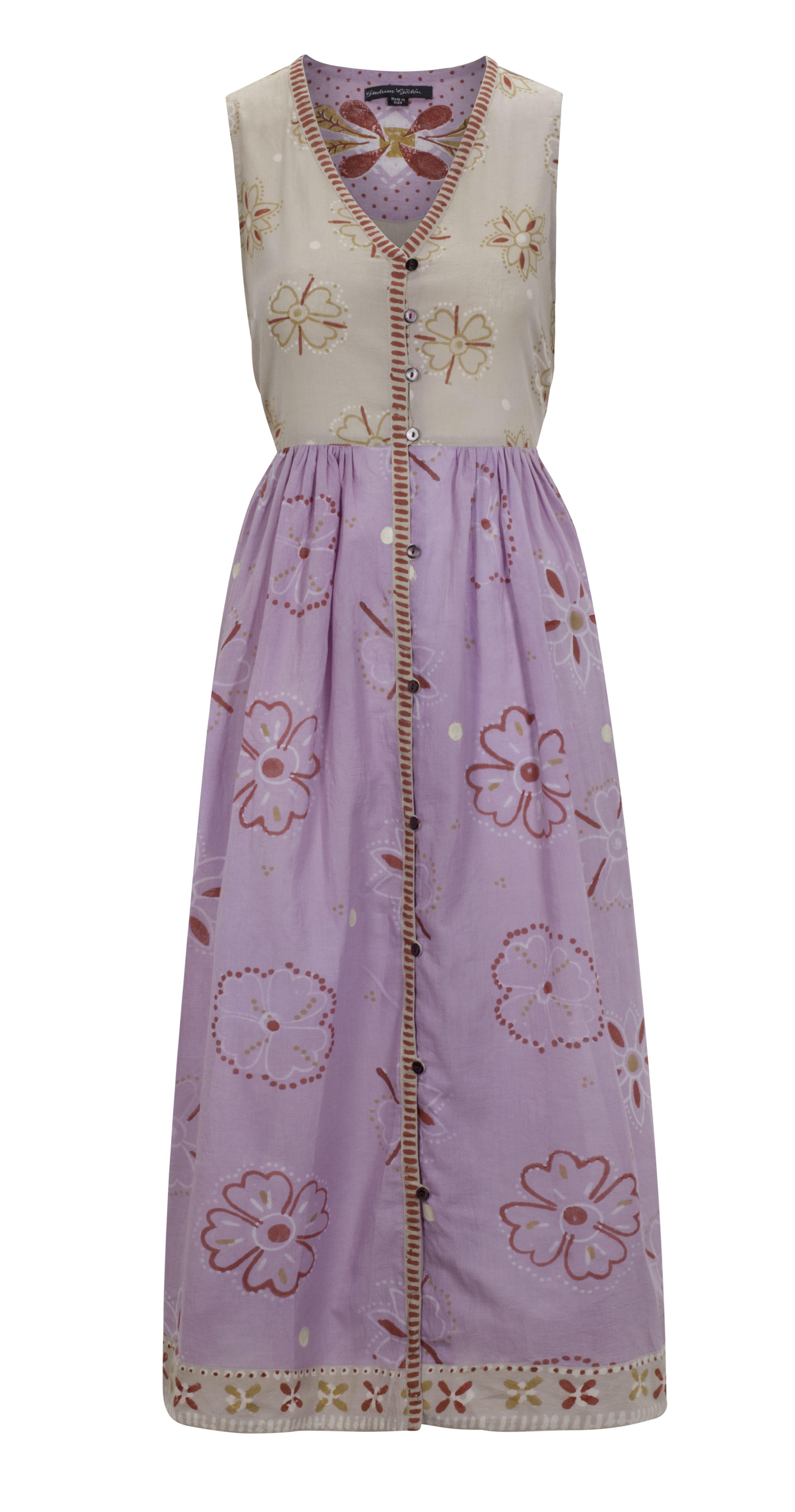 """Sommermode 2013 - Kleid """"Aditi"""" aus Öko-Baumwolle.    Entzückendes, durchgeknöpftes Kleid für heiße Tage. Anliegendes Oberteil mit V-Ausschnitt, weitem Rockteil und praktischer Tasche. Aus luftig-leichter, blockbedruckter Öko-Baumwolle."""