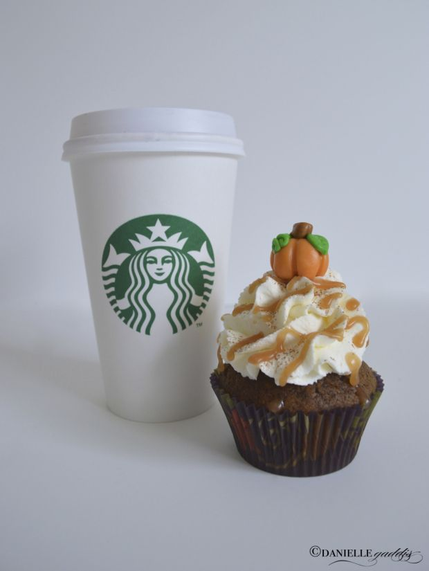 Pumpkin Spice Latte CUPCAKE... yes.