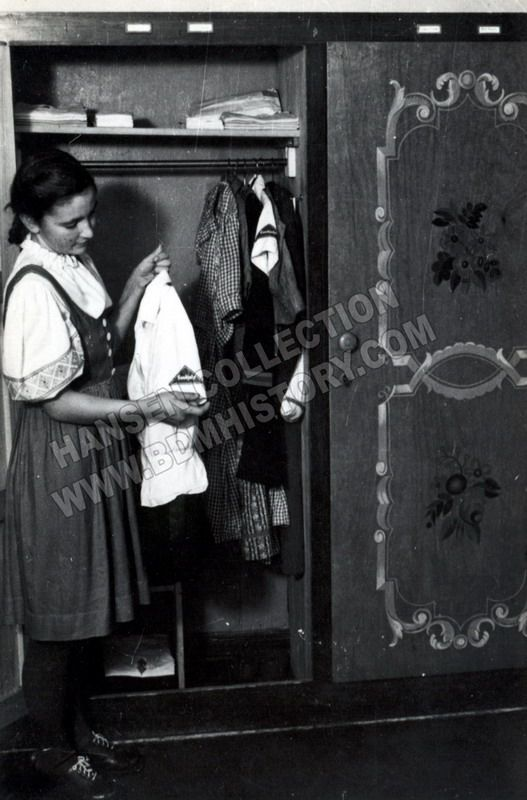 Hansen Landjahr 027 in tracht but with 2 BDM shirts in her closet. Plus the checked work dress seen in other photos from this collection.