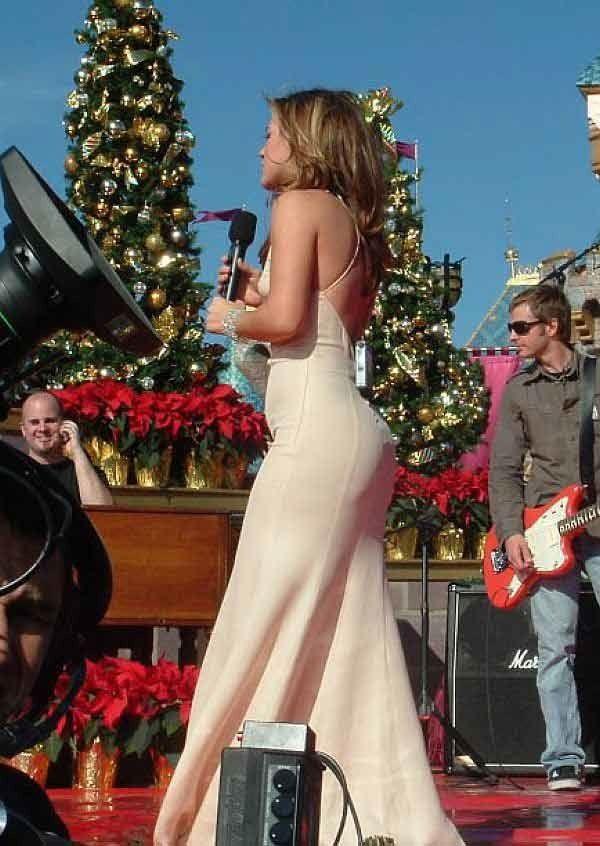 Pin by sk dunkiss on Kelly Clarkson | Celebs, Kelly clarkson, Celebrities female