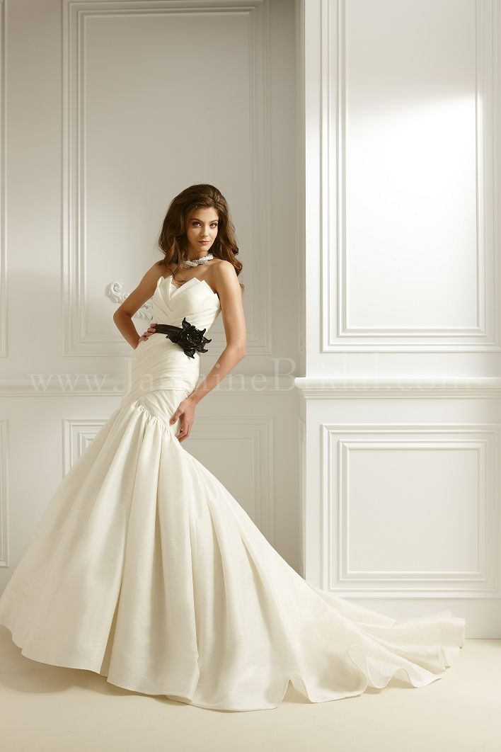 F462 - discontinued! Now half off   Wedding Gowns   Pinterest ...
