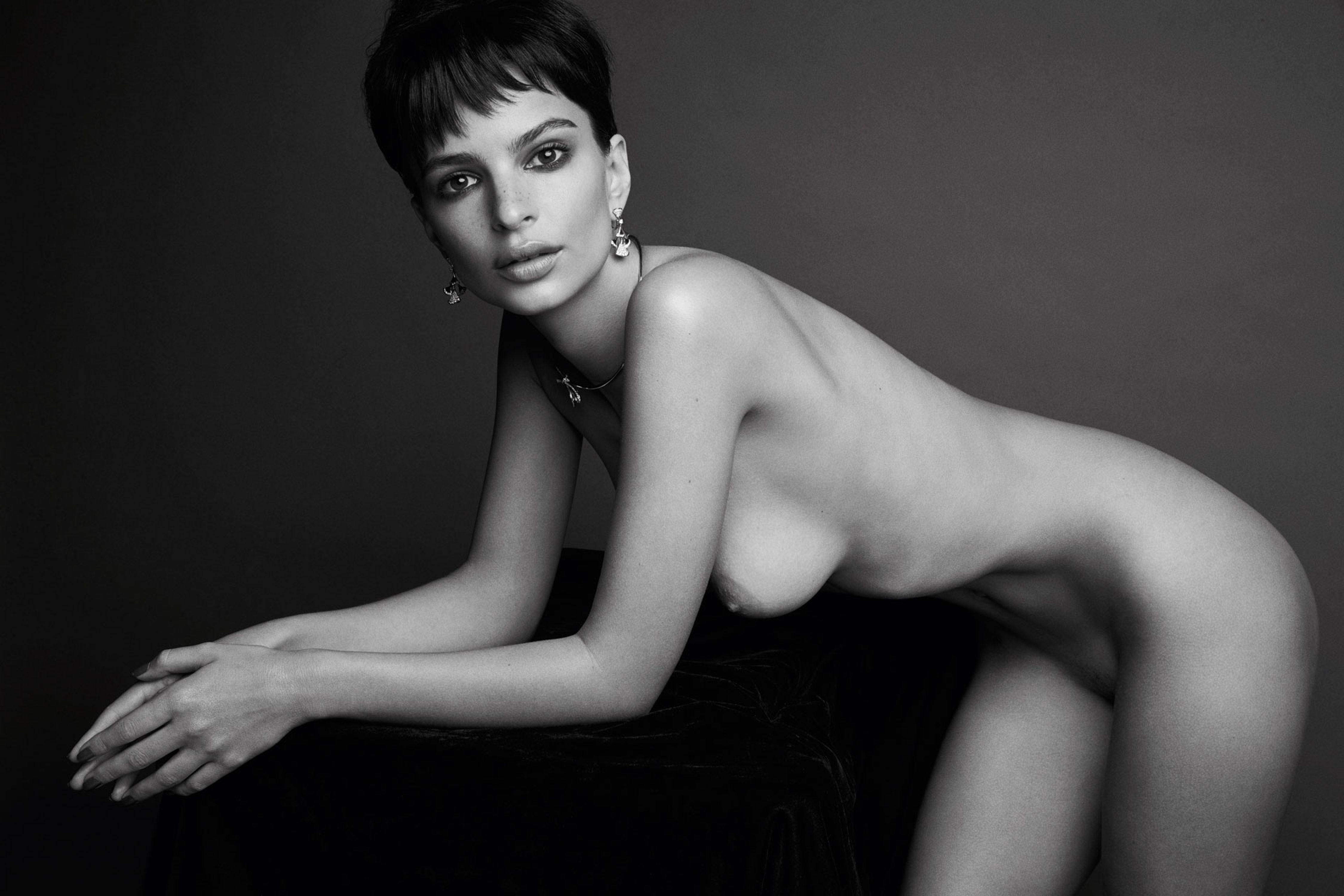 ormond-nude-celebrity-in-the-nude-gomez-nue