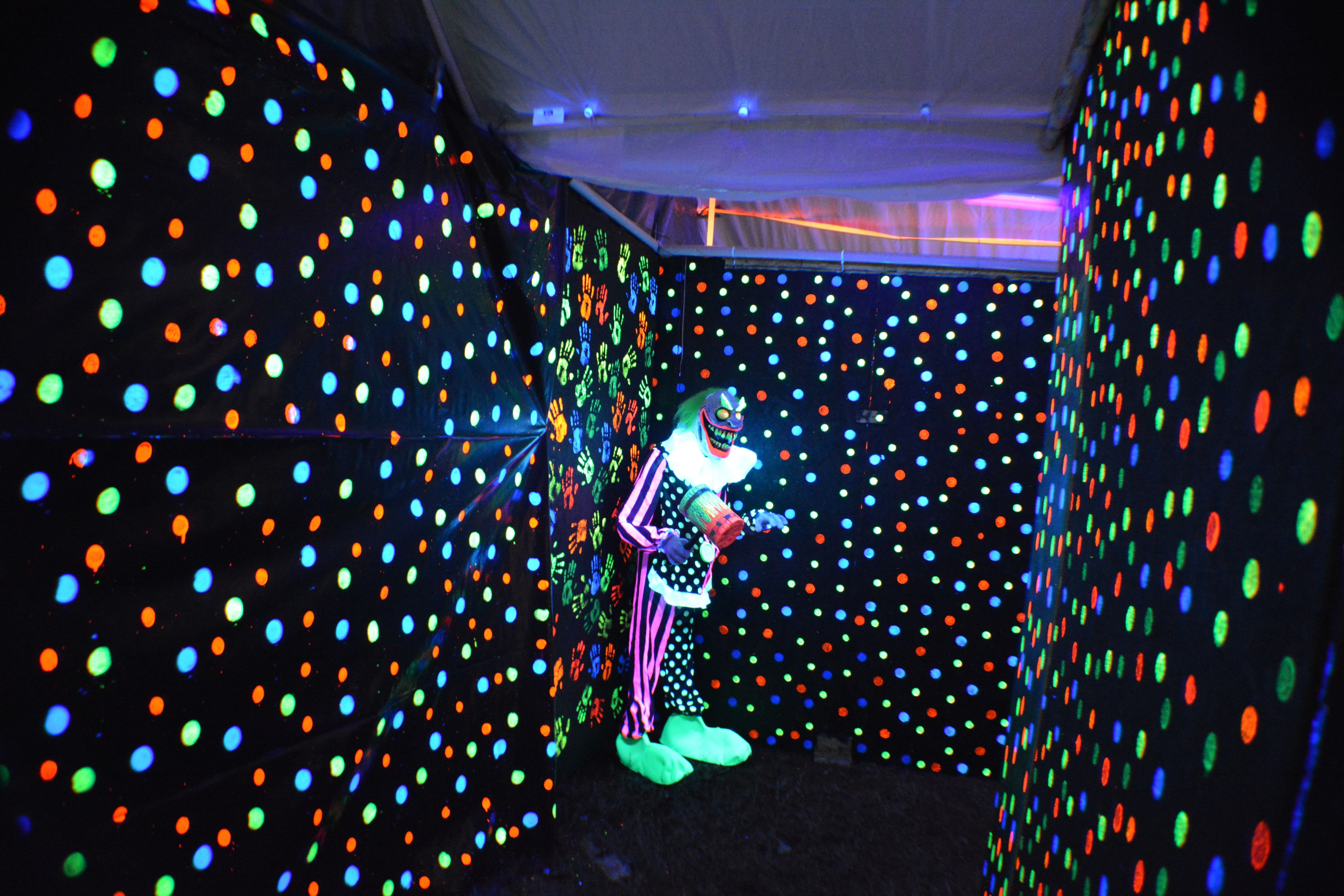 Images about halloween walkthrough maze ideas on pinterest for Online garage design tool