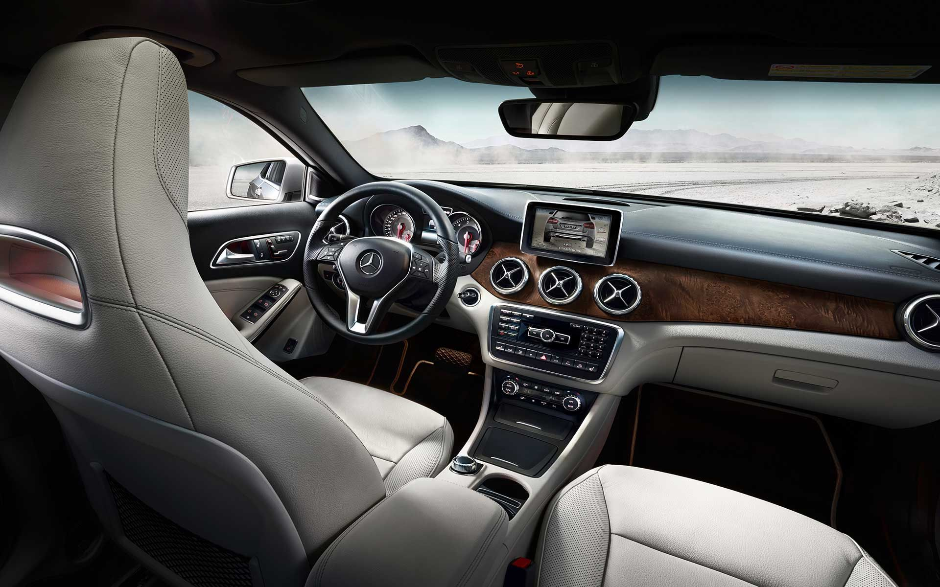 The stylish and spacious interior of the gla class is Interieur mercedes
