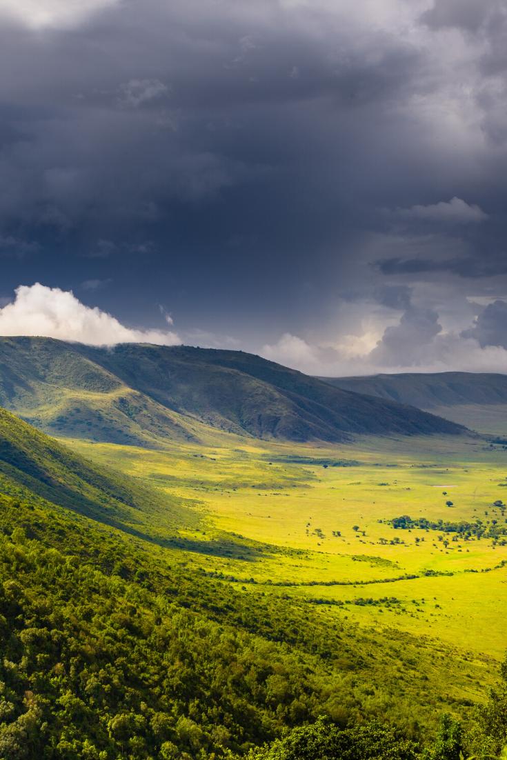 Ngorongoro Crater How To Safari In A Wildlife Utopia In 2020 Africa Travel Viewing Wildlife Alaska Travel