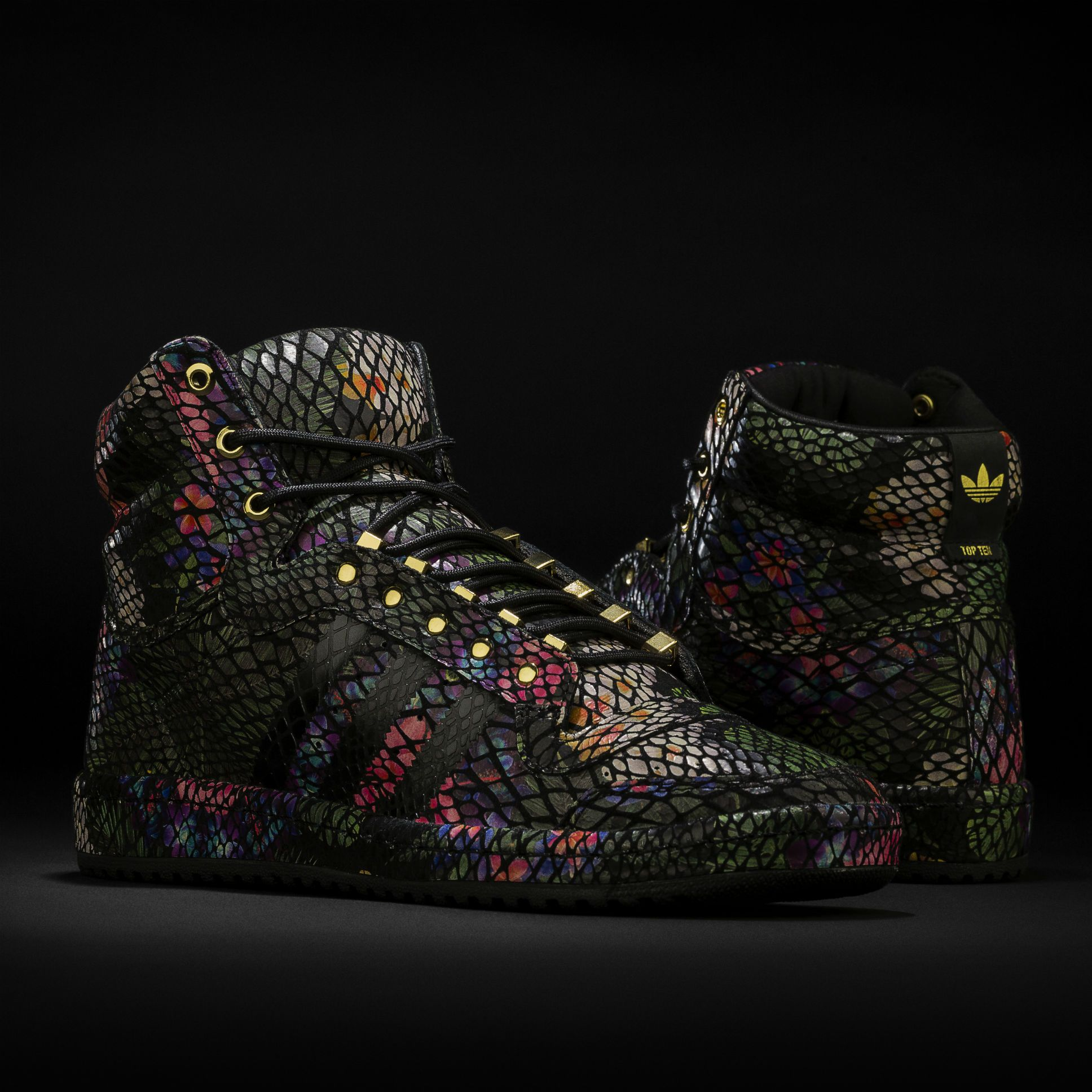This week's #kickoftheweek: the #adidasOriginals Micropacer
