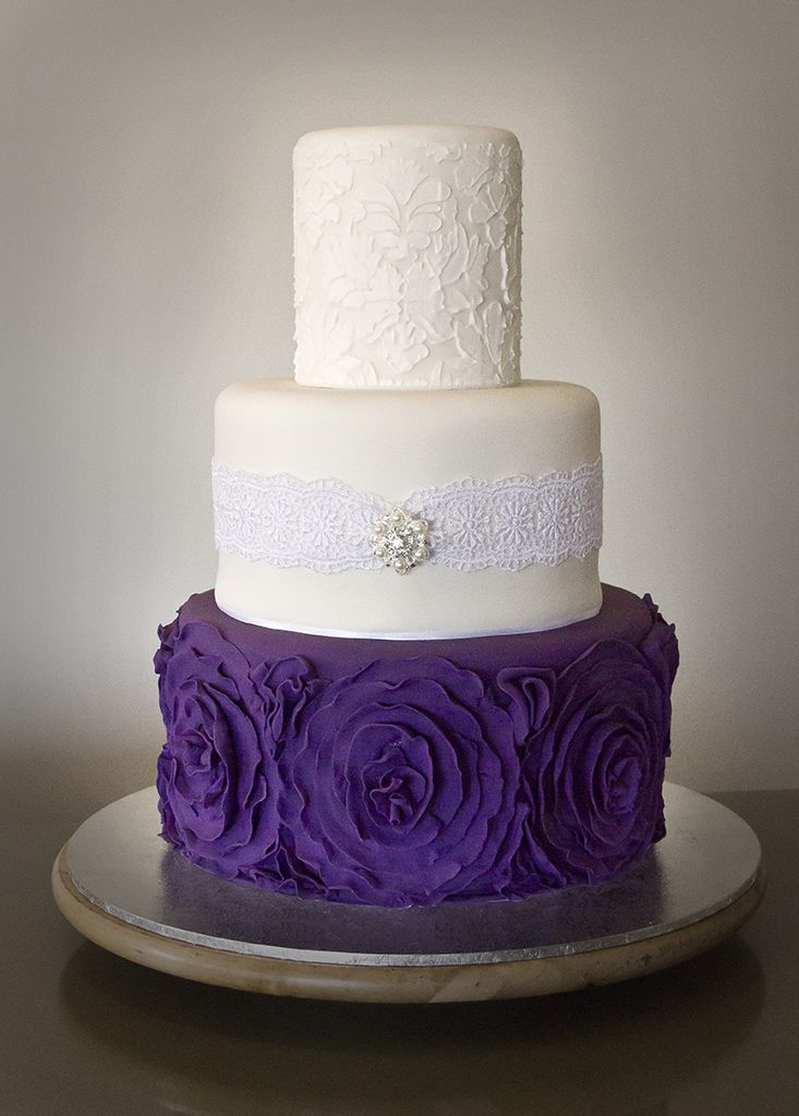 stunning purple wedding cake designs perfect wedding day - 733×1024