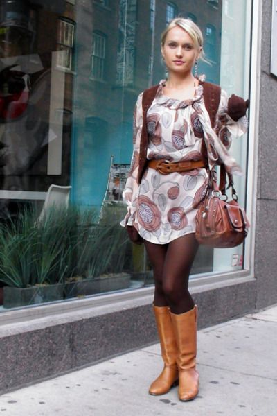 Toss out the everyday jeans, and grab some boots and tights! Perfect fall outfit <3