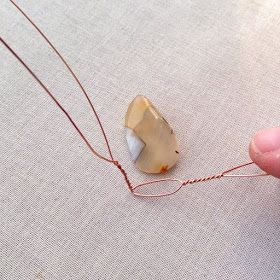 Photo of Two ways to wire undrilled stone pendants – Lisa Yang's jewelry …