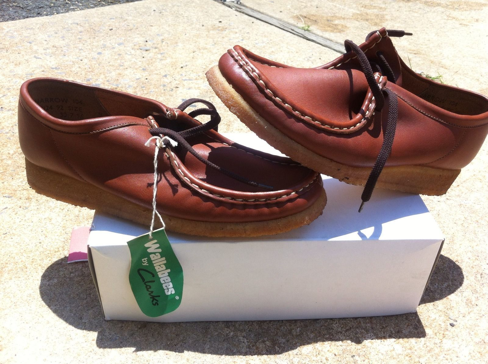 ca7b310992a Vintage Clarks Wallabees Womens Size 9 Brown Leather   Shoes ...