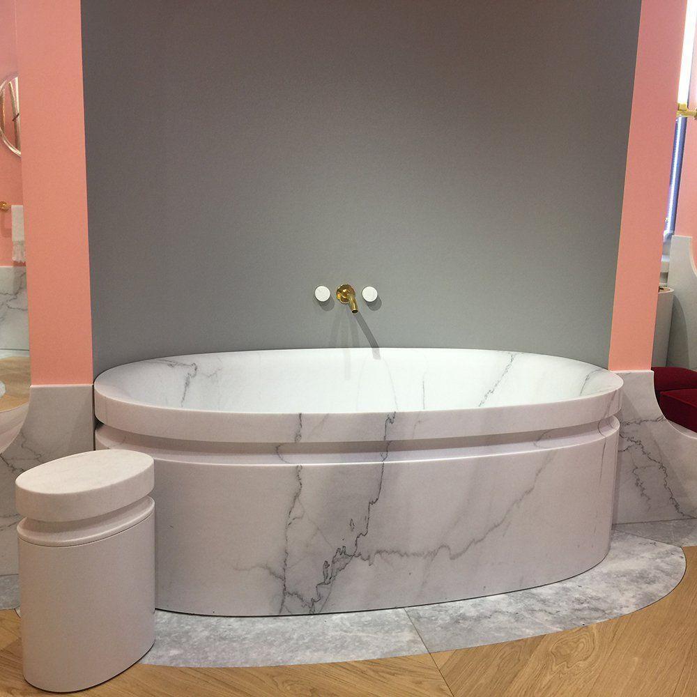 une baignoire en marbre chez jacob delafon signé alexis mabille