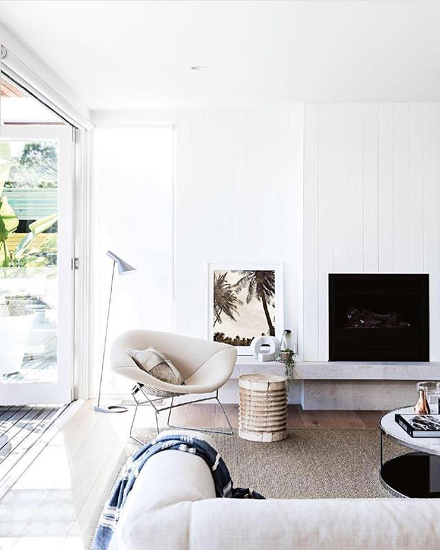 Beautiful Living Rooms On A Budget That Look Expensive: Our Living Room Is In Need Of An Overhaul (take A Look On Stories)...sofas Rug...Im Also