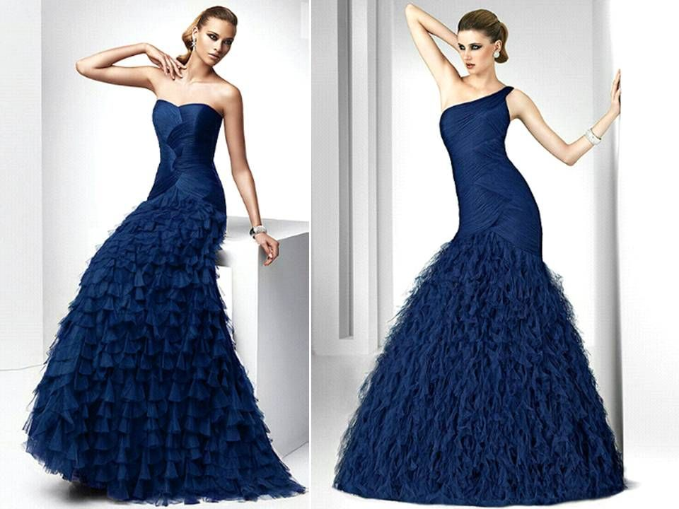 Please Share... As history teaches us, not all wedding dresses were originally white. In fact, many wedding dresses of the 1700 and 1800's were blue. The blue wedding dress has been a traditional wedding...