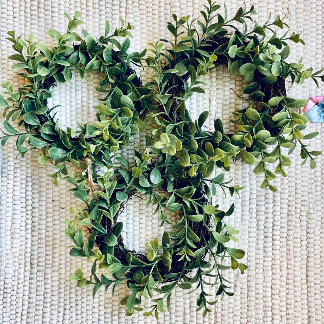 3 Mini Wreaths That Are So Good For Year Round Decor Displays Around The House This Is Such A Great Size To Display Mini Wreaths Decor Display Round Decor