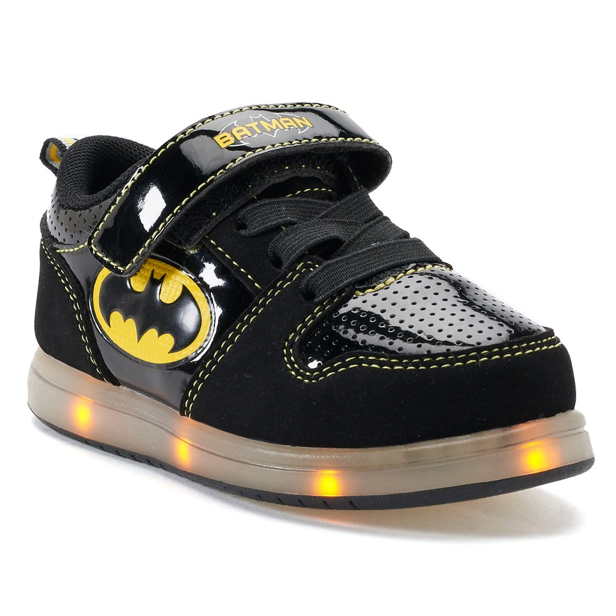 a242c1063989 DC Comics Batman Toddler Boys  Light Up Sneakers