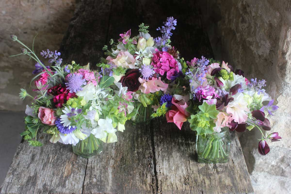 Jam Jar Posies – Common Farm Flowers | Table flowers colours ...