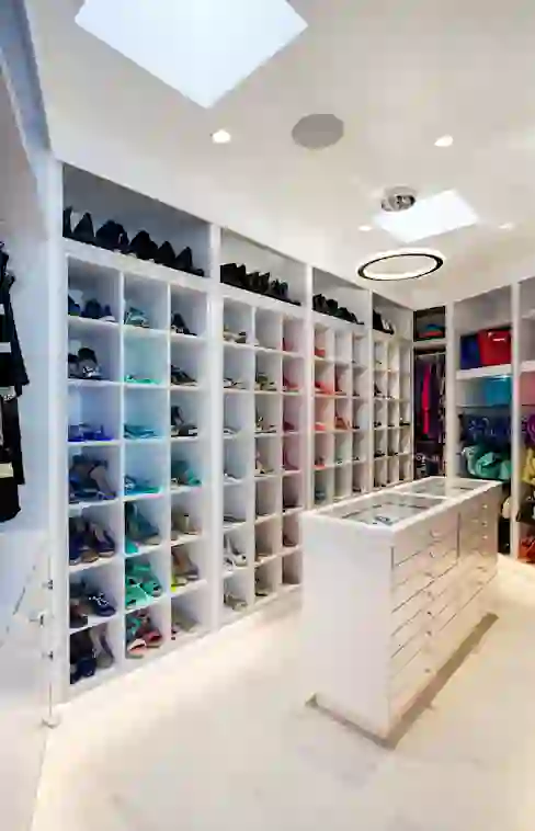 غرف الملابس 12 تصميم رائع لتختار من بينهم Homify Small Closet Space Dressing Room Small Spaces