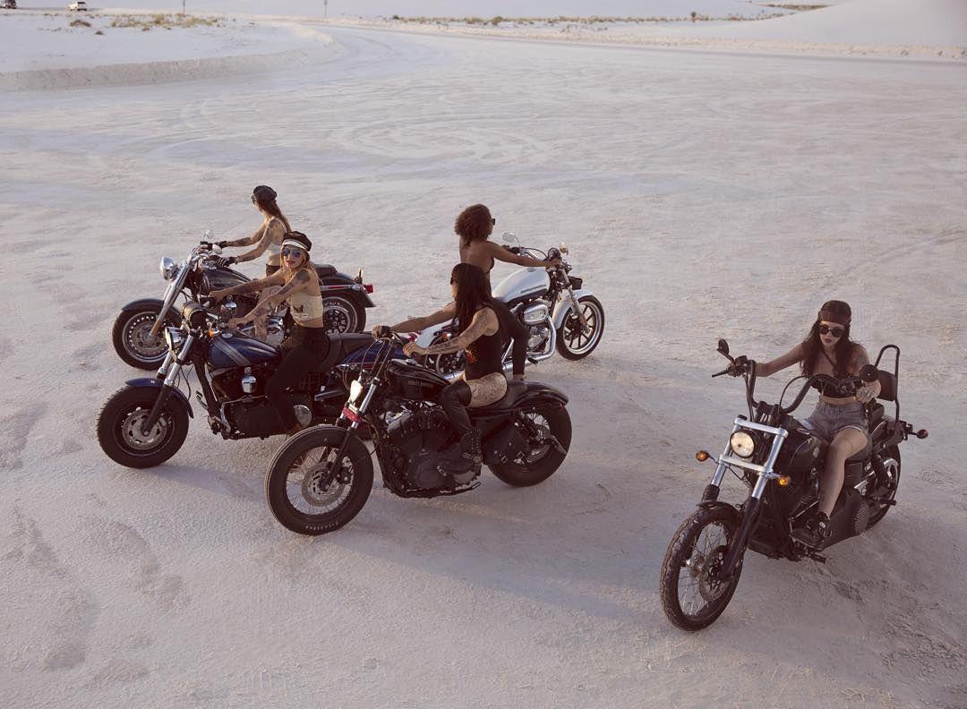 Motorcycle Women - fevvvvaa