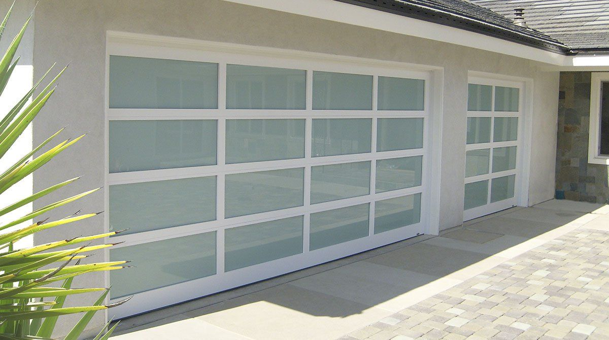 Frosted Glass Garage Door Http Undhimmi Com Frosted Glass Garage Door 2841 04 12 Html Glass Garage Door Modern Garage Doors Garage Doors