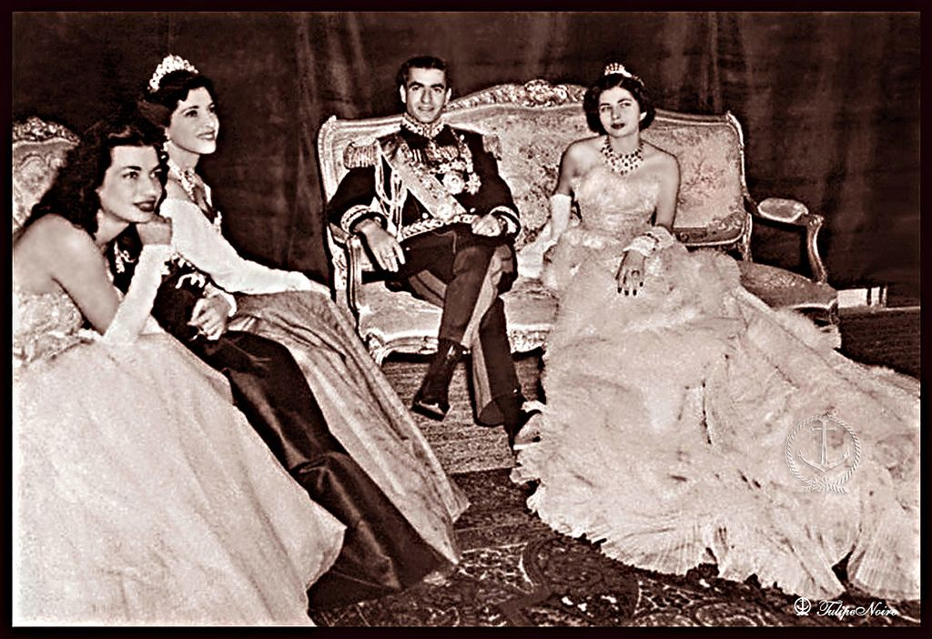 Pin by Ronaaki Kh on Royal Family of Iran - Pahlavi Era | Pinterest ...