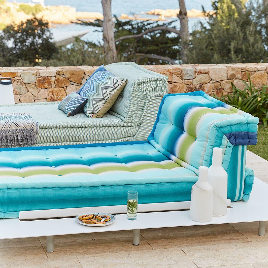 Roche Bobois L Mah Jong Outdoor Sofa Designed By Hans Hopfer L Photo Baptiste Le Quiniou Outdoor Sofa Sofa Couch Table